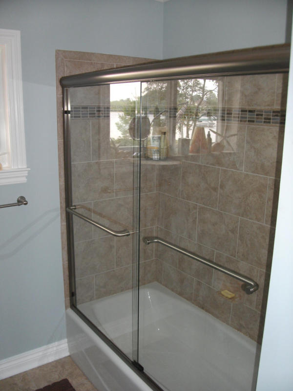 Tiled Shower and Tub Surround with Glass Doors
